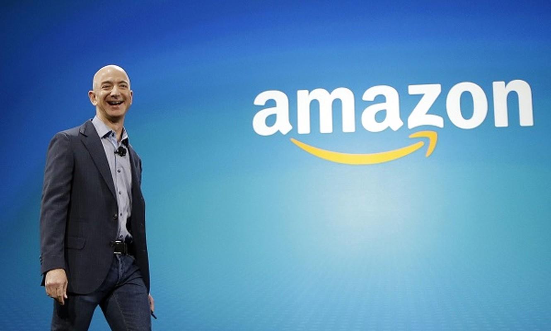 Mau giay dan tren tu lanh tiet lo dieu dac biet ve ty phu Jeff Bezos-Hinh-10