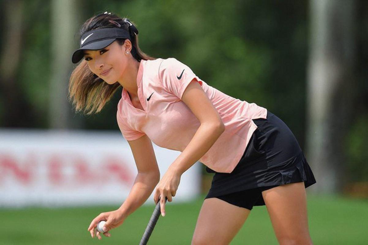 Nu Golf thu goc Hoa voi than hinh sieu boc lua moi nguoi deu me-Hinh-6