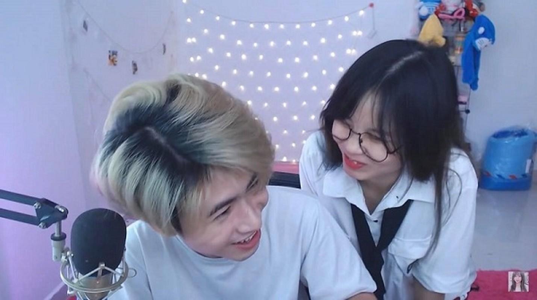 Nhung cap game thu cong khai the hien tinh cam tren song stream-Hinh-4