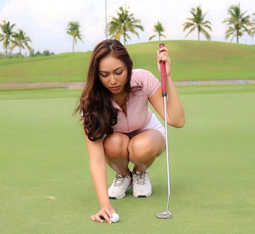 Nhan sac hotgirl lang golf chau A, len hinh la khien fan nao loan-Hinh-6