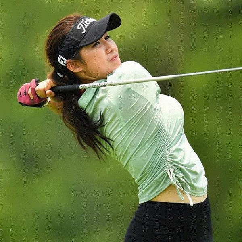 Nhan sac hotgirl lang golf chau A, len hinh la khien fan nao loan-Hinh-9