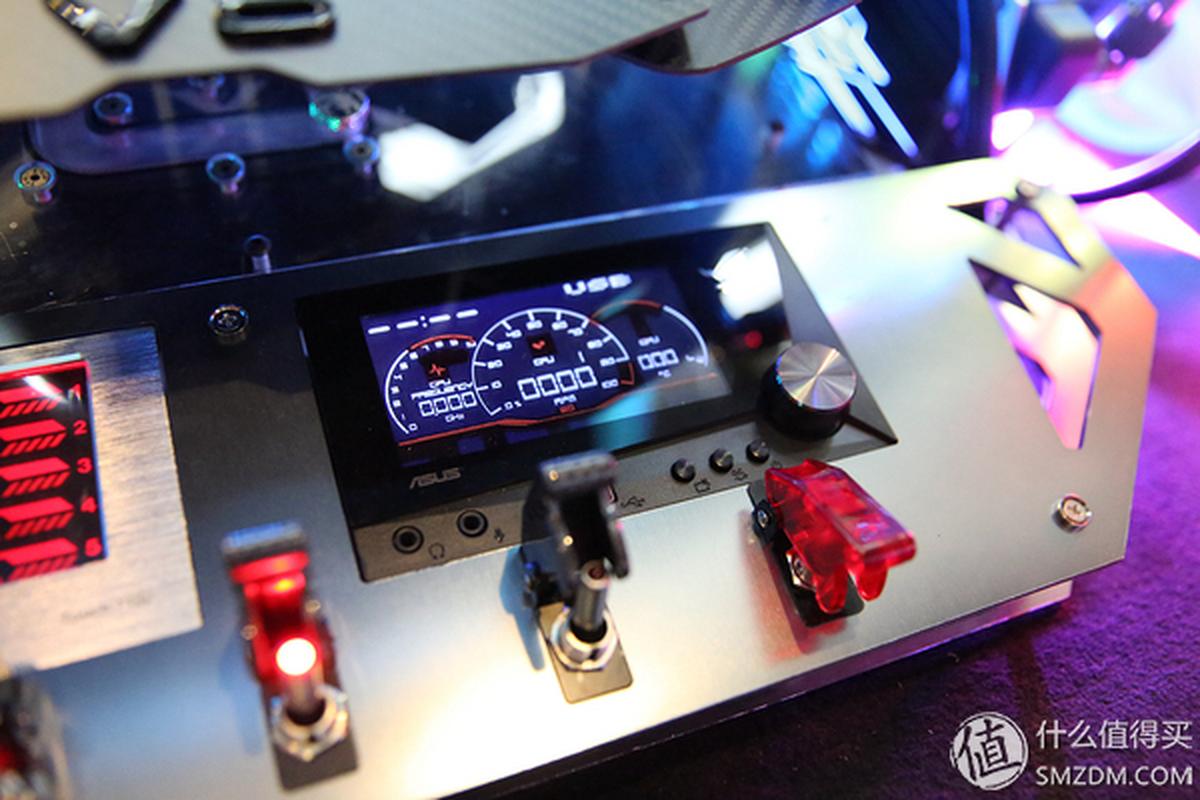 Dan choi chi 4,2 ty do Audi S7 thanh gaming PC sieu khung-Hinh-12