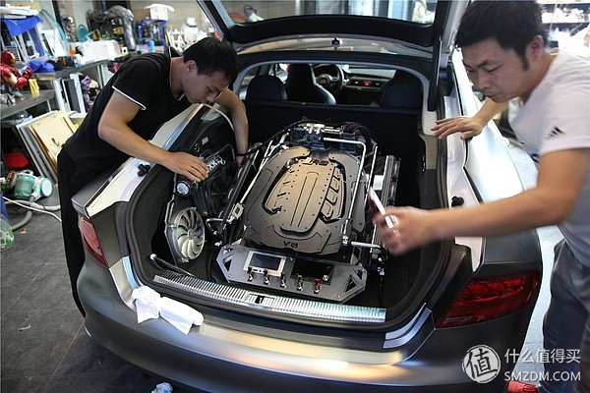 Dan choi chi 4,2 ty do Audi S7 thanh gaming PC sieu khung-Hinh-5