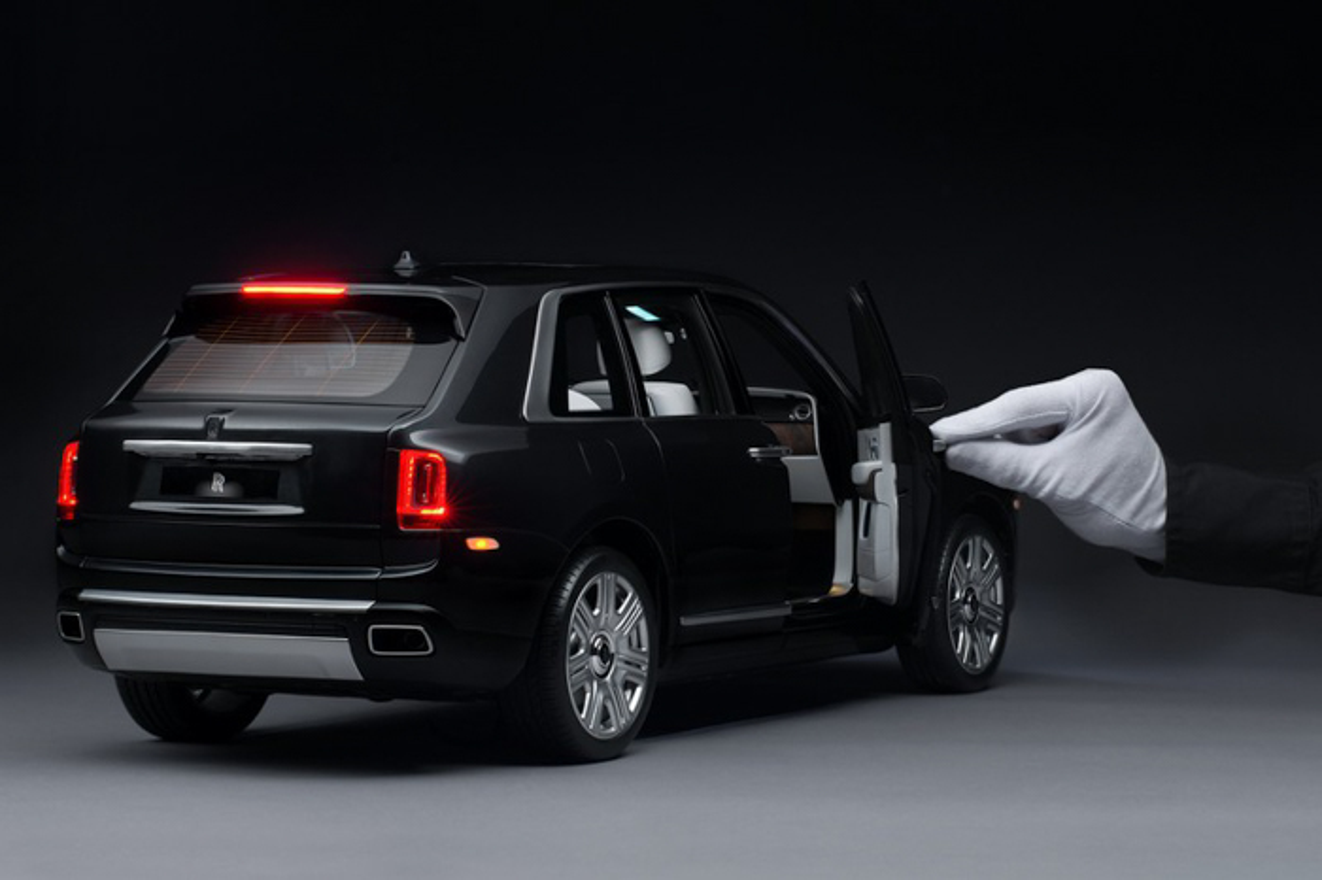 Can canh xe do choi Rolls Royce cuc tinh xao, gia dat hon xe that-Hinh-7