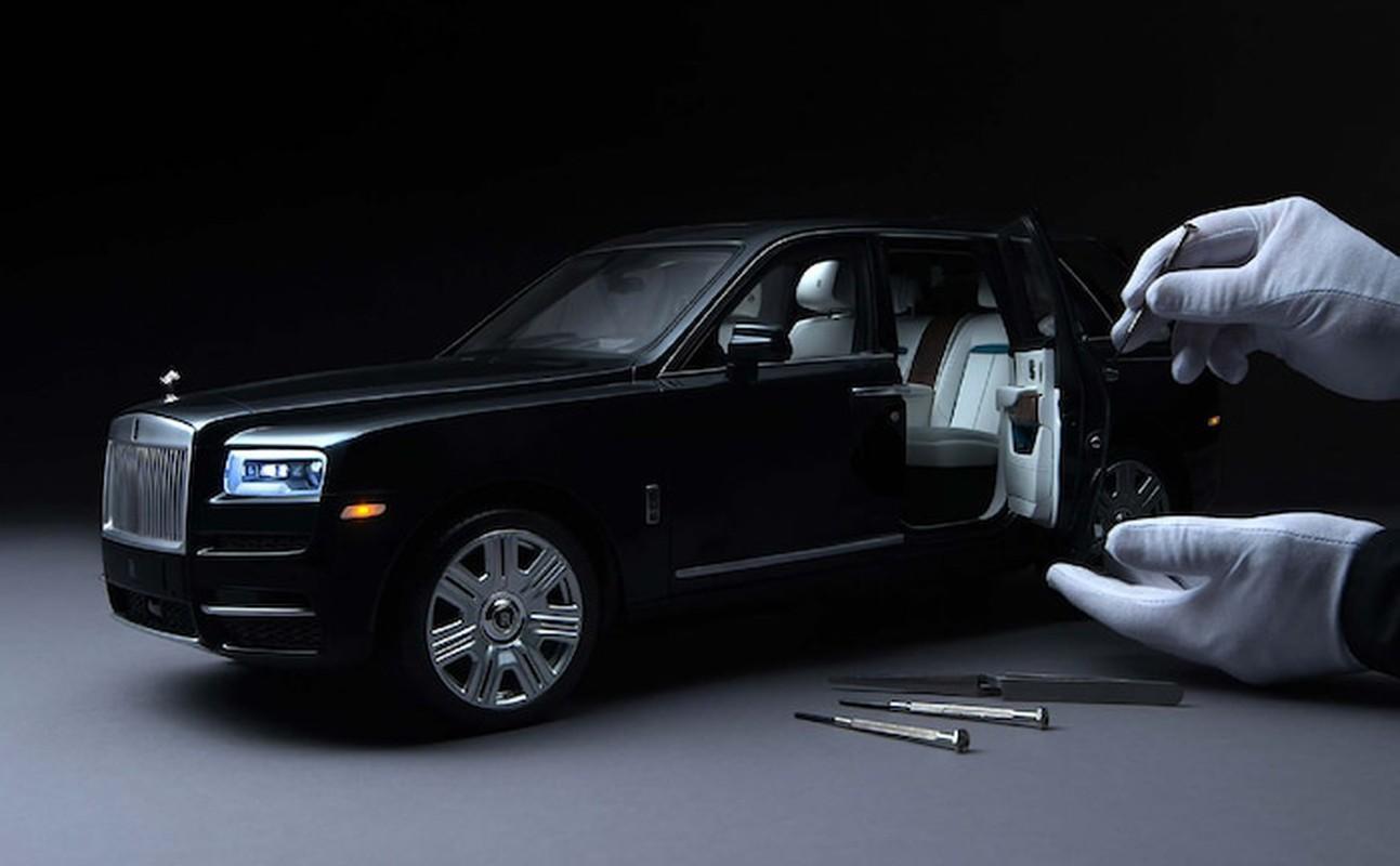 Can canh xe do choi Rolls Royce cuc tinh xao, gia dat hon xe that