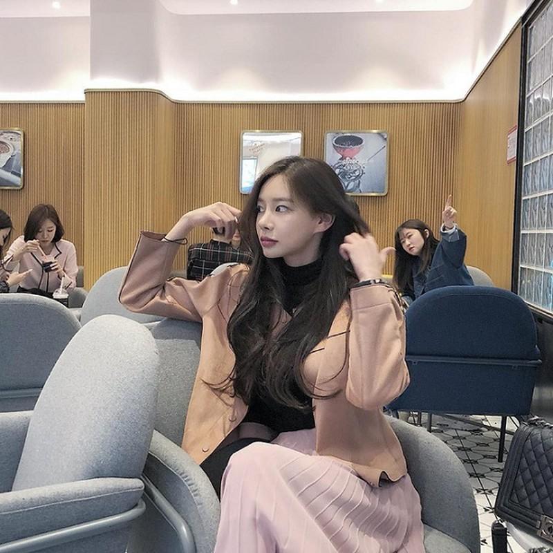 Nu idol dinh scandal lai doi doi kiem tien ty nho lam streamer-Hinh-11