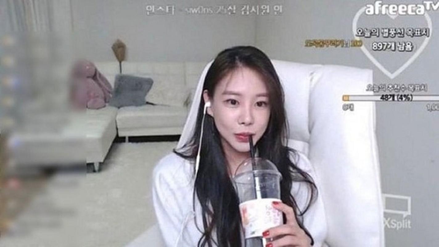 Nu idol dinh scandal lai doi doi kiem tien ty nho lam streamer-Hinh-4