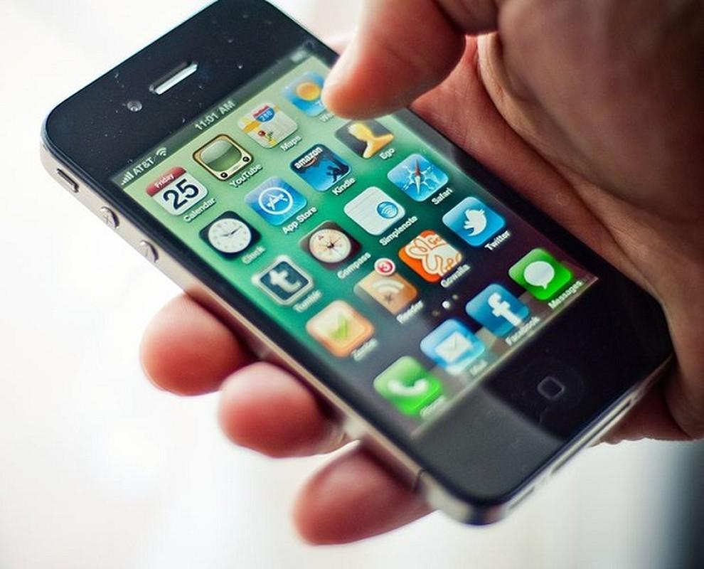 Man nhan ngam chiec iPhone dep nhat vua tron 10 tuoi-Hinh-8
