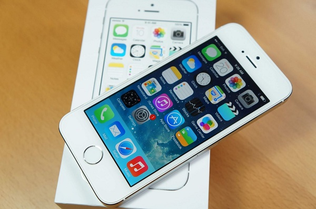 Tai sao iPhone 5S mat van tay xuong gia tham chi 500.000 dong?-Hinh-11