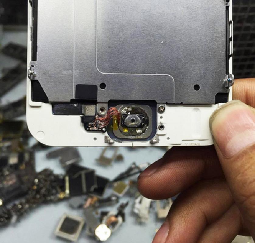 Tai sao iPhone 5S mat van tay xuong gia tham chi 500.000 dong?-Hinh-7