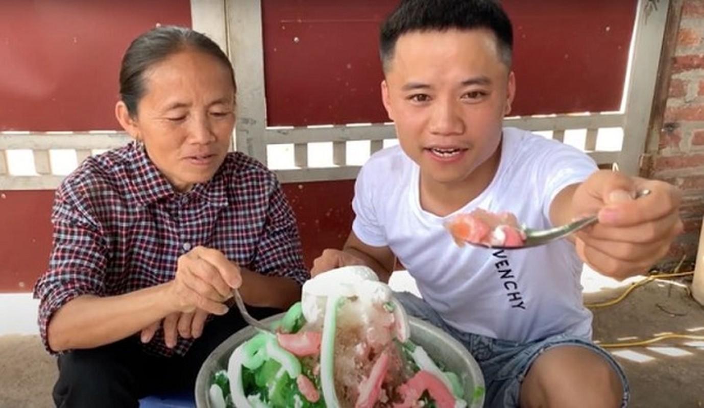 "Con trai ba Tan lai khien dan mang ""nong mat"" trong video moi-Hinh-6"