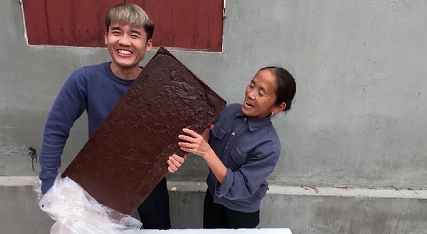 "Con trai ba Tan lai khien dan mang ""nong mat"" trong video moi-Hinh-9"