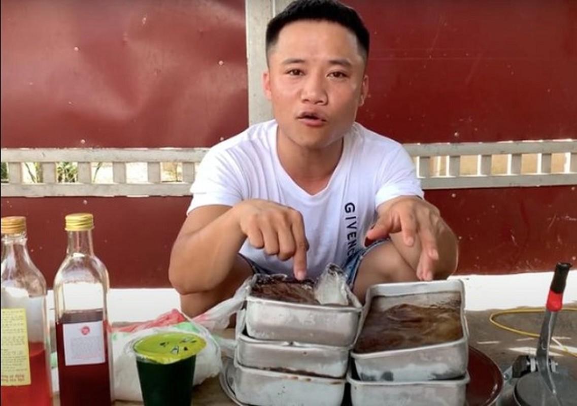 "Con trai ba Tan lai khien dan mang ""nong mat"" trong video moi"