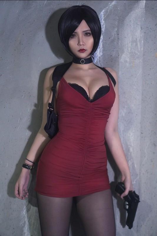 Khoe dang choi game, nu cosplayer goc Viet khien game thu... xin chet-Hinh-9