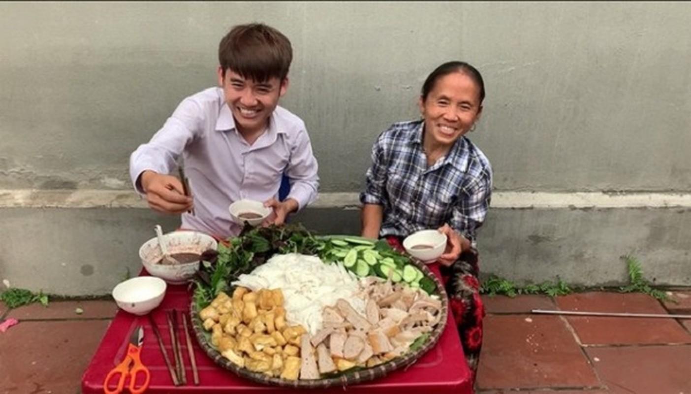 "Bat mi so tien ""khung"" gia dinh Ba Tan Vlog kiem duoc tu YouTube-Hinh-2"