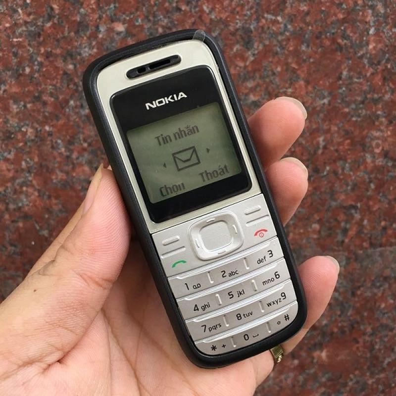 10 dien thoai nhieu nguoi mua nhat lich su: Nokia chiem qua nua-Hinh-6
