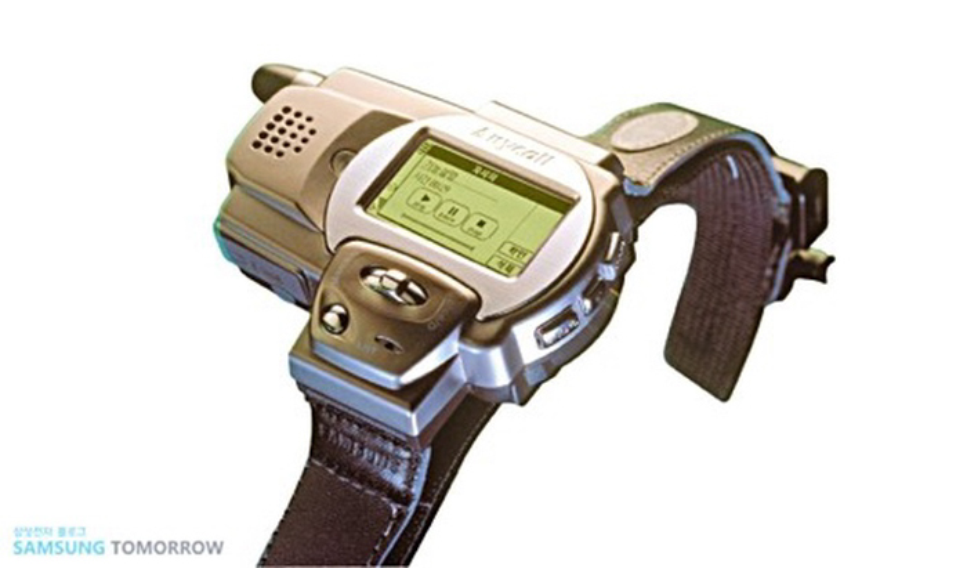 """Smartwatch da """"day thi"""" than toc the nao trong 10 nam qua"""