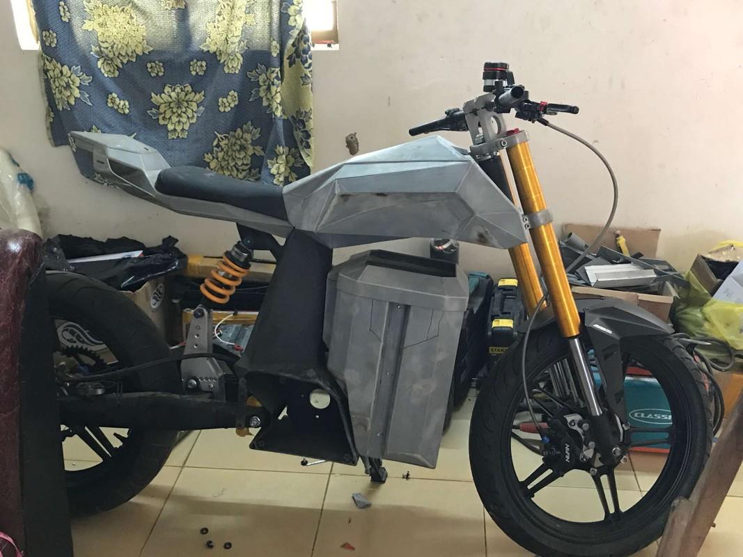 Chang trai Viet Nam tu che tao xe may dien cuc xin-Hinh-5
