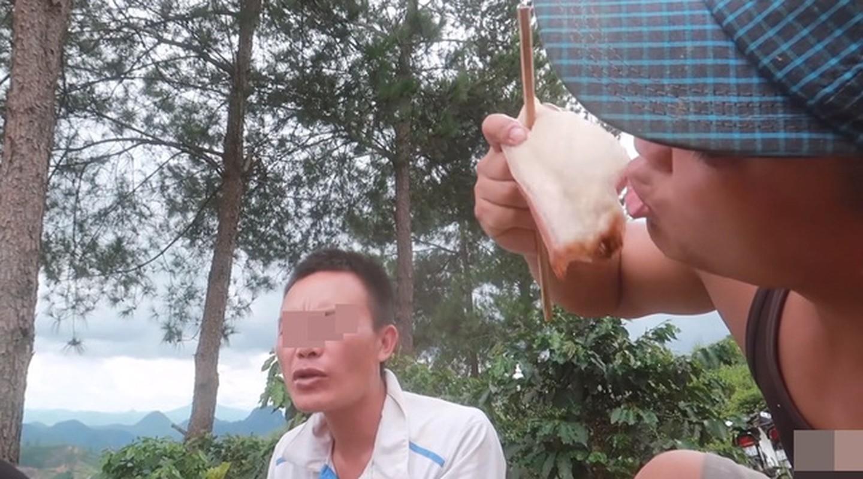 """Youtuber Viet cau like tu viec """"thuong thuc"""" mon an kinh di-Hinh-10"""