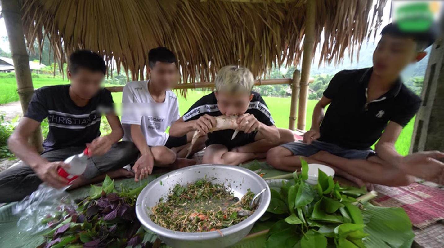 """Youtuber Viet cau like tu viec """"thuong thuc"""" mon an kinh di-Hinh-4"""
