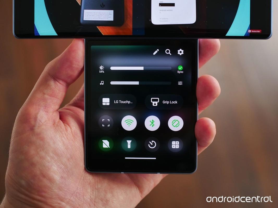 Smartphone man hinh cuc di cua LG: Mua mot duoc hai-Hinh-13