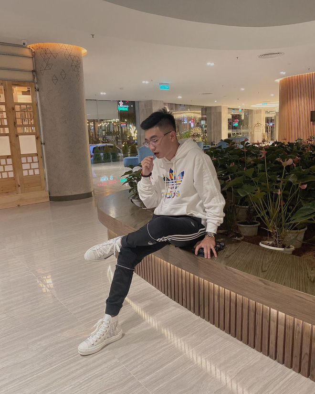 """Soi nhung mon do hieu chuan """"rich kid"""" cua tinh cu Linh Ngoc Dam-Hinh-14"""