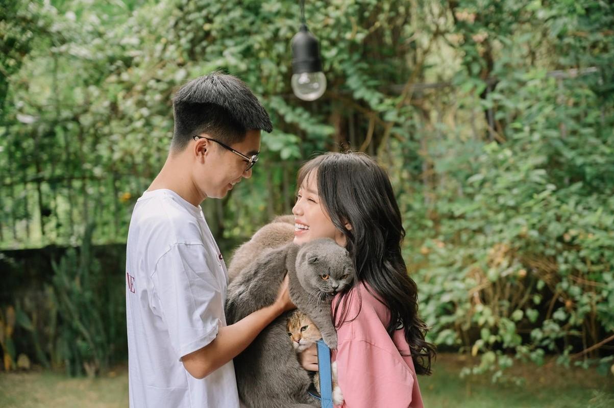 """Soi nhung mon do hieu chuan """"rich kid"""" cua tinh cu Linh Ngoc Dam"""