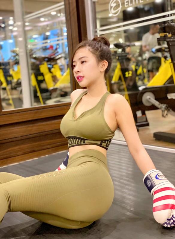 "Chan dung hot girl lang golf khien ai cung ""dan mat"" vi body nuot na-Hinh-12"