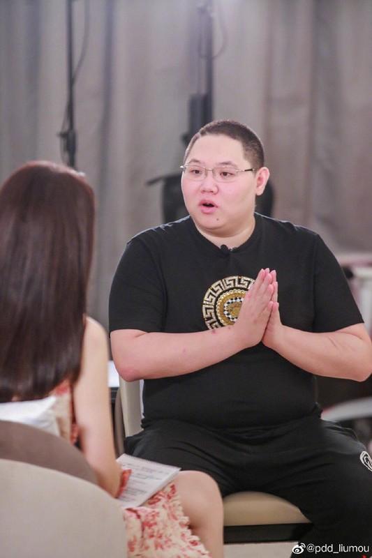 """Soi cuoc song xa hoa den """"loa mat"""" cua streamer giau nhat xu Trung"""