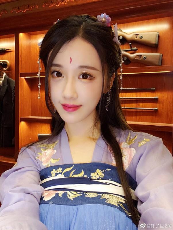 """Chan dung nu streamer nhan """"lien hoan phat"""" vi an mac qua phan cam-Hinh-11"""