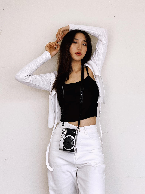 """Comeback"" sau 3 thang phat, co giao Mina Young khien fanboy thon thuc-Hinh-10"