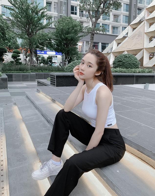 """Comeback"" sau 3 thang phat, co giao Mina Young khien fanboy thon thuc-Hinh-12"