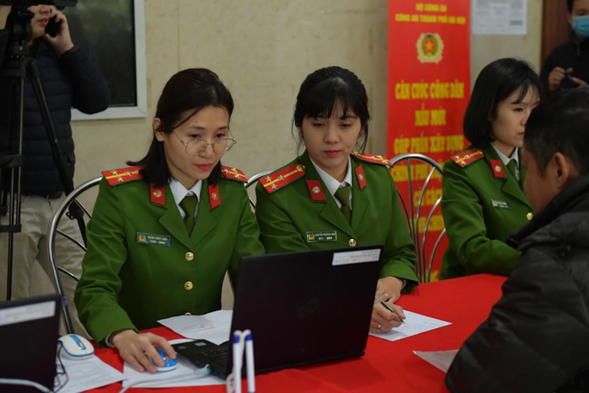 """The can cuoc cong dan gan chip moi cong nghe """"xin"""" co nao?-Hinh-11"""