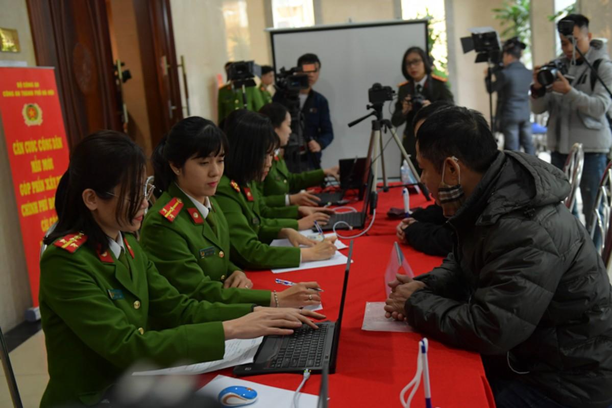 """The can cuoc cong dan gan chip moi cong nghe """"xin"""" co nao?-Hinh-9"""