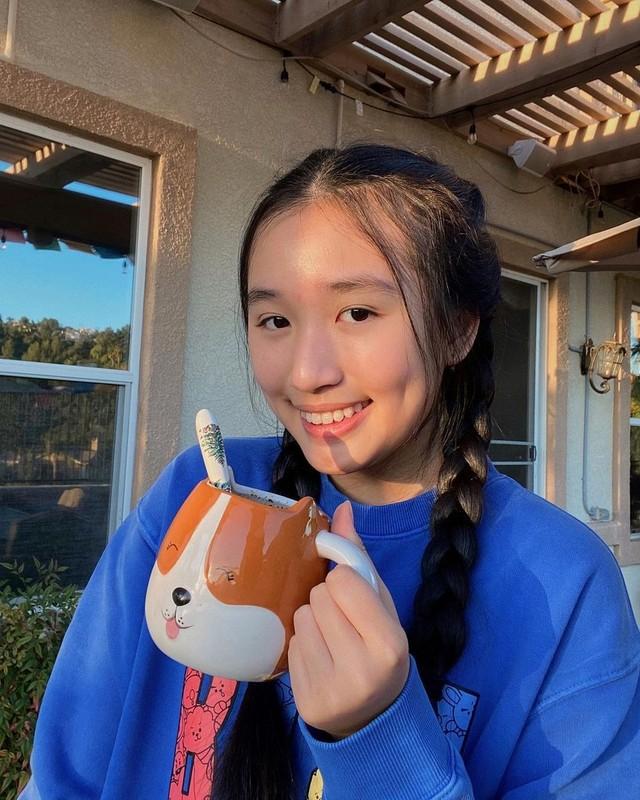 Co gai Jenny Huynh la ai ma dat 1 trieu subscribers khi 16 tuoi?-Hinh-7
