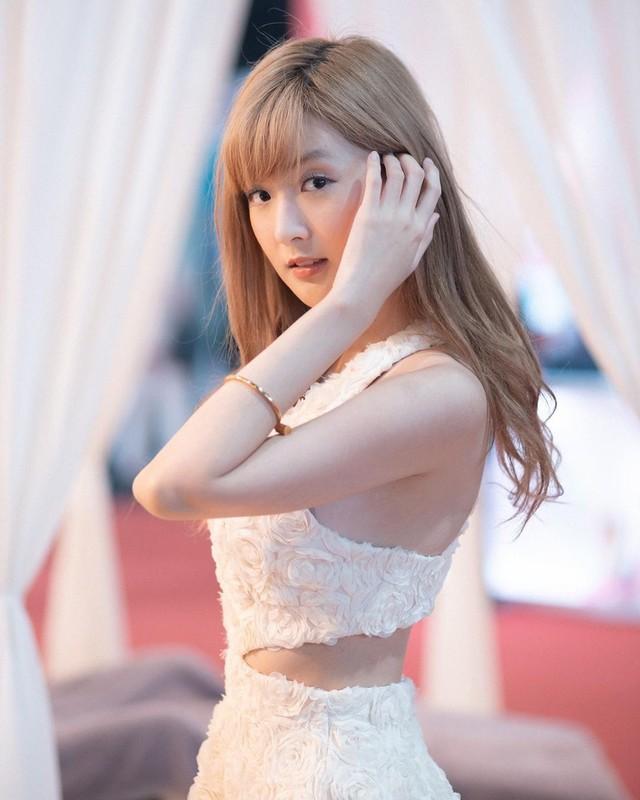 "Nu streamer ""trieu view"" xu Chua Vang khoe ve dep khong goc chet-Hinh-11"