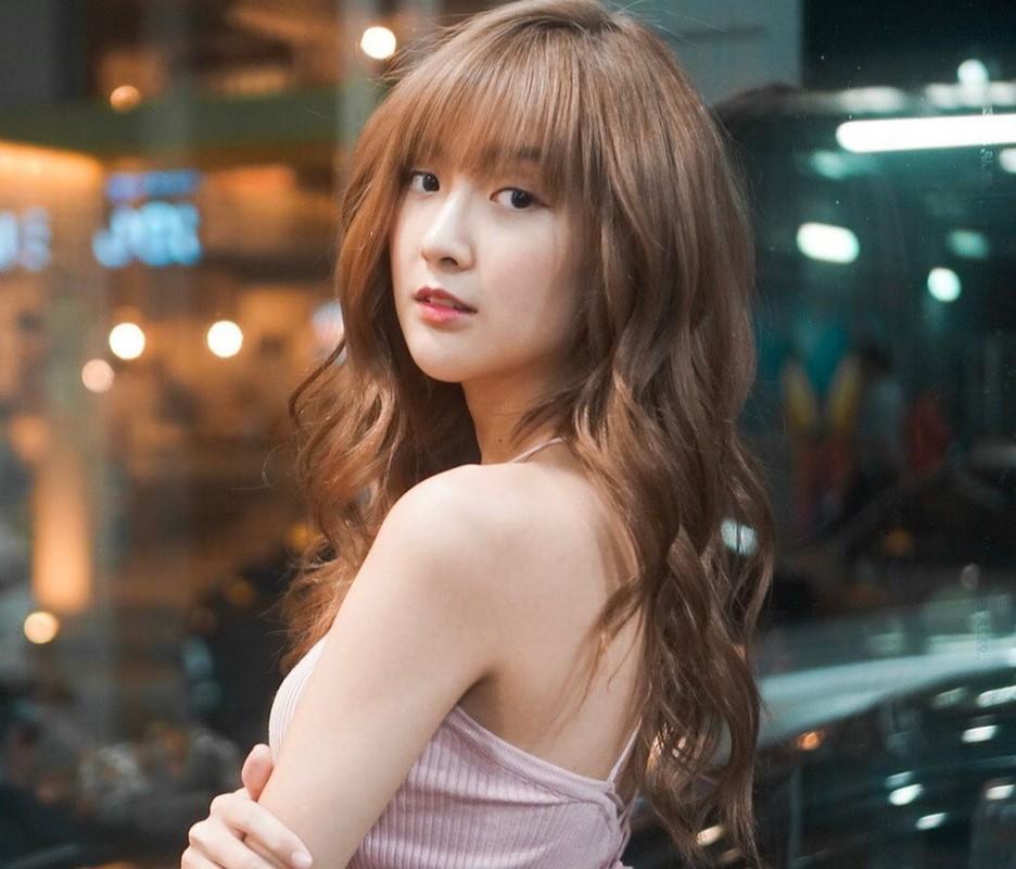 "Nu streamer ""trieu view"" xu Chua Vang khoe ve dep khong goc chet-Hinh-9"