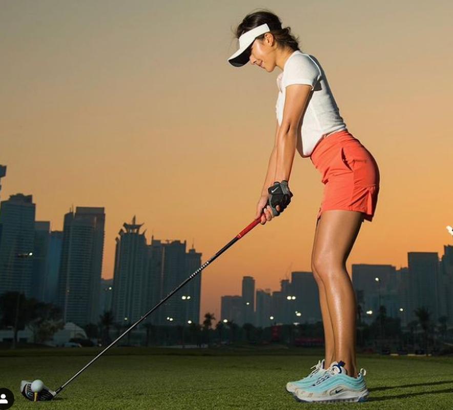 Nu golf thu xinh dep Trung Quoc lot Top 10 tay golf tai nang The gioi-Hinh-3