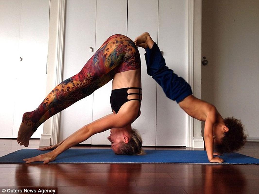 Bo anh yoga dep cua 3 me con gay sot mang-Hinh-8