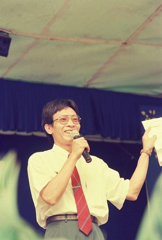 Hinh anh nha bao Lai Van Sam thoi khien the he 7x, 8x dien dao-Hinh-5