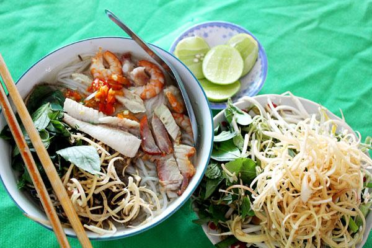 Den Tra Vinh nhat dinh phai thuong thuc to bun tuc lo nay-Hinh-6