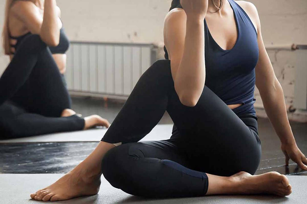 Bai tap yoga giup cai thien chung son tieu cuc hieu qua-Hinh-5
