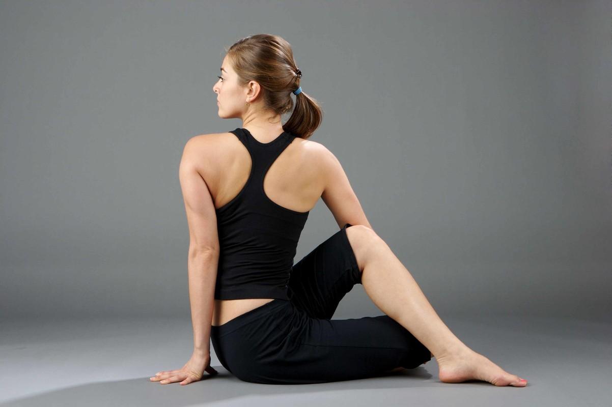 Bai tap yoga giup cai thien chung son tieu cuc hieu qua-Hinh-6