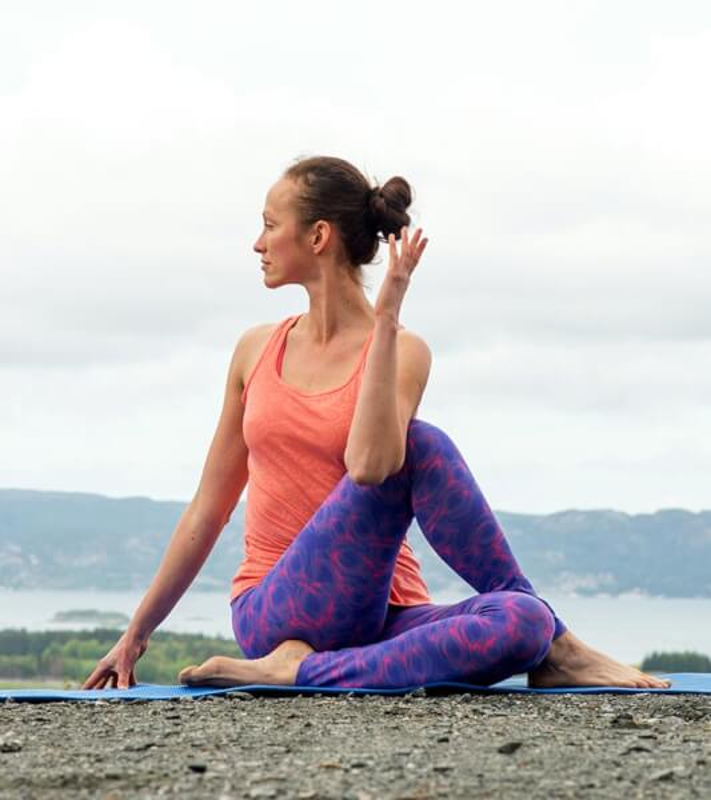 Bai tap yoga giup cai thien chung son tieu cuc hieu qua