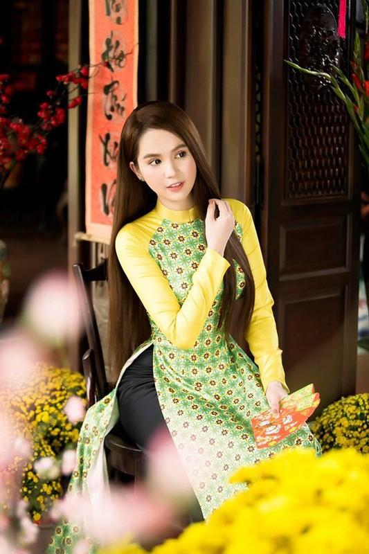 "Bo mot ""gai hu"", Ngoc Trinh khoe tron ve quyen ru ""chet nguoi""-Hinh-11"