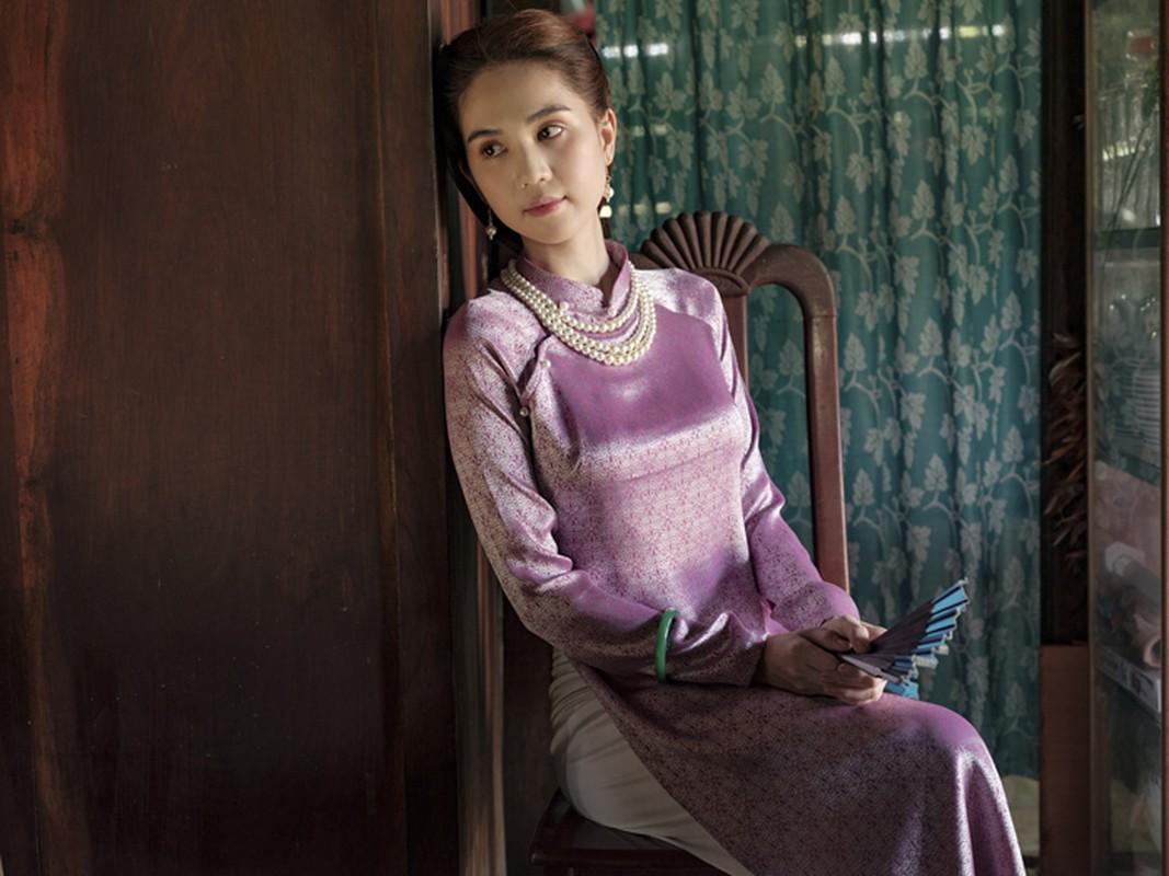 "Bo mot ""gai hu"", Ngoc Trinh khoe tron ve quyen ru ""chet nguoi""-Hinh-5"