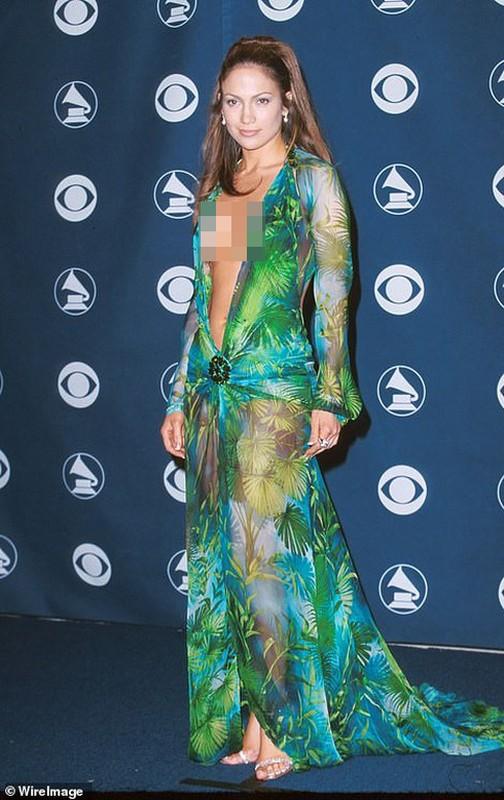 Bat chuoc Jennifer Lopez, sao Hollywood lang xe mau vay xe nguc sau... tan bung-Hinh-2