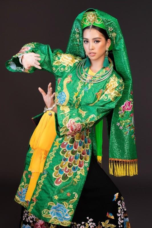 """Sao Viet dep """"ban loan"""" trong trang phuc Thanh Mau-Hinh-5"""