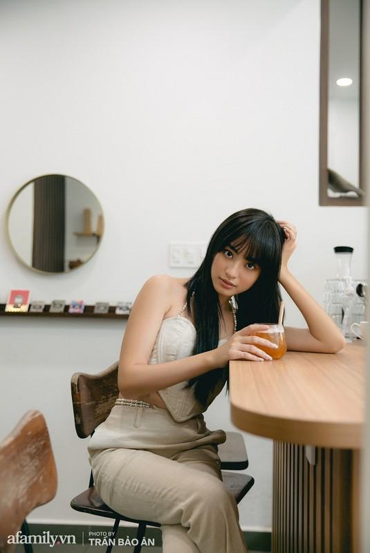 """""""Dung"""" ao Ngoc Trinh, my nhan """"top 100 guong mat dep nhat The gioi"""" lo bung mo-Hinh-11"""