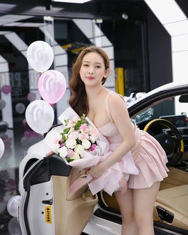 Ngoai Midu, Thuy Vi chuong mot ho bao sau on ao voi Phan Thanh-Hinh-5
